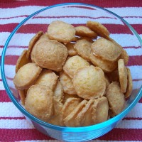 Charleston Cheese Crackers... quick and easy for an evening treat!