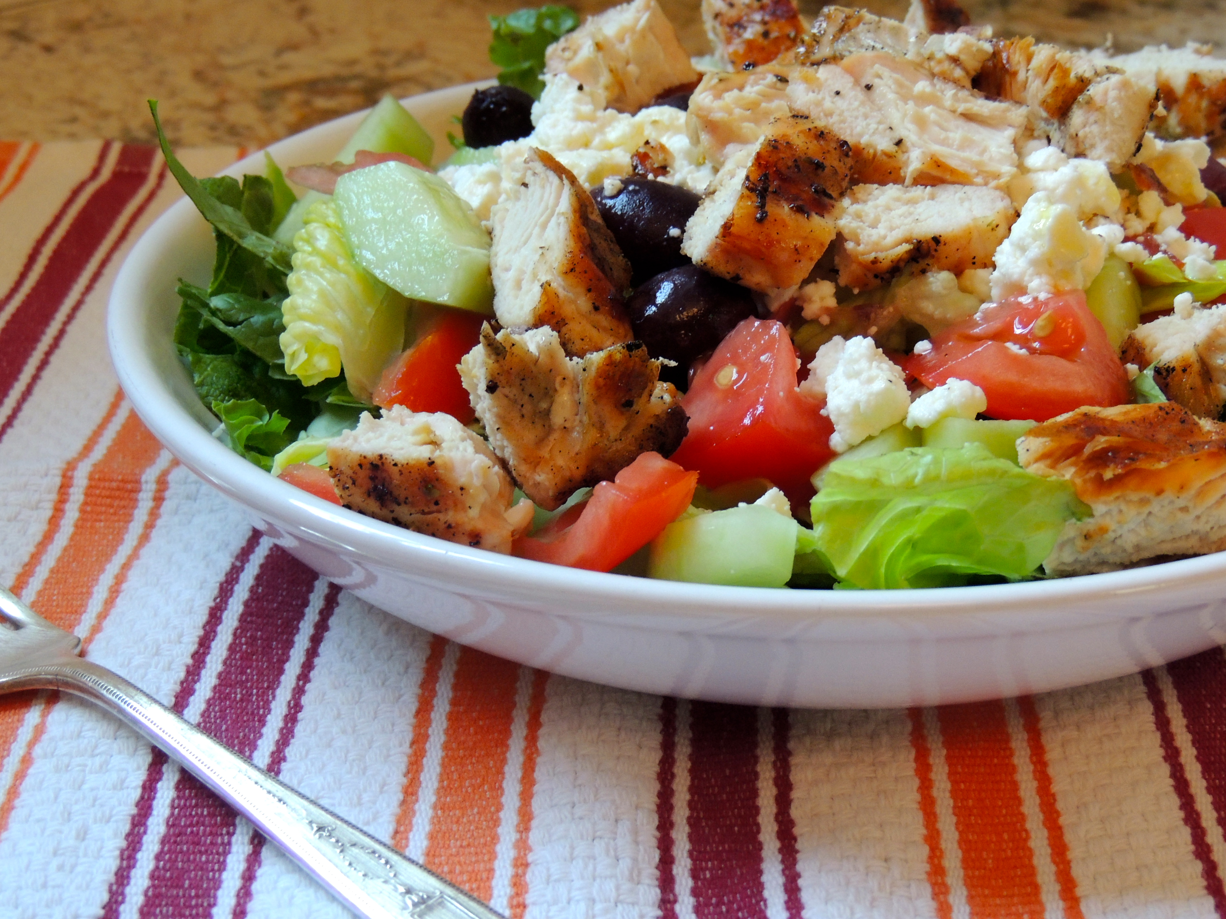 What's for dinner? Greek Salad with Grilled Chicken – quick and ...