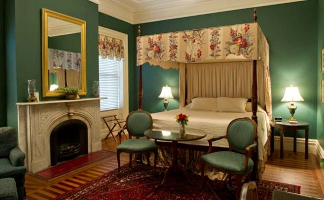 John Rutledge House Inn Suite [image]