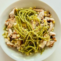 Spinach Pasta with Grilled Chicken and Fresh Corn - Spring is here!
